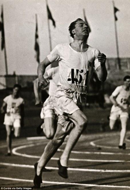 Eric-Liddell-AD1924-olympics-running