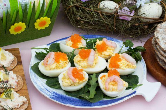 Easter-stuffed-eggs-cuisine.Glad-Pask!